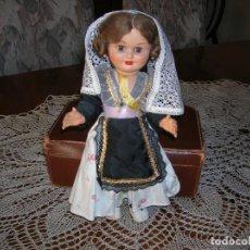 Muñeca española clasica: PRECIOSA MUÑEQUITA ANTIGUA CON TRAJE REGIONAL.. Lote 151595066