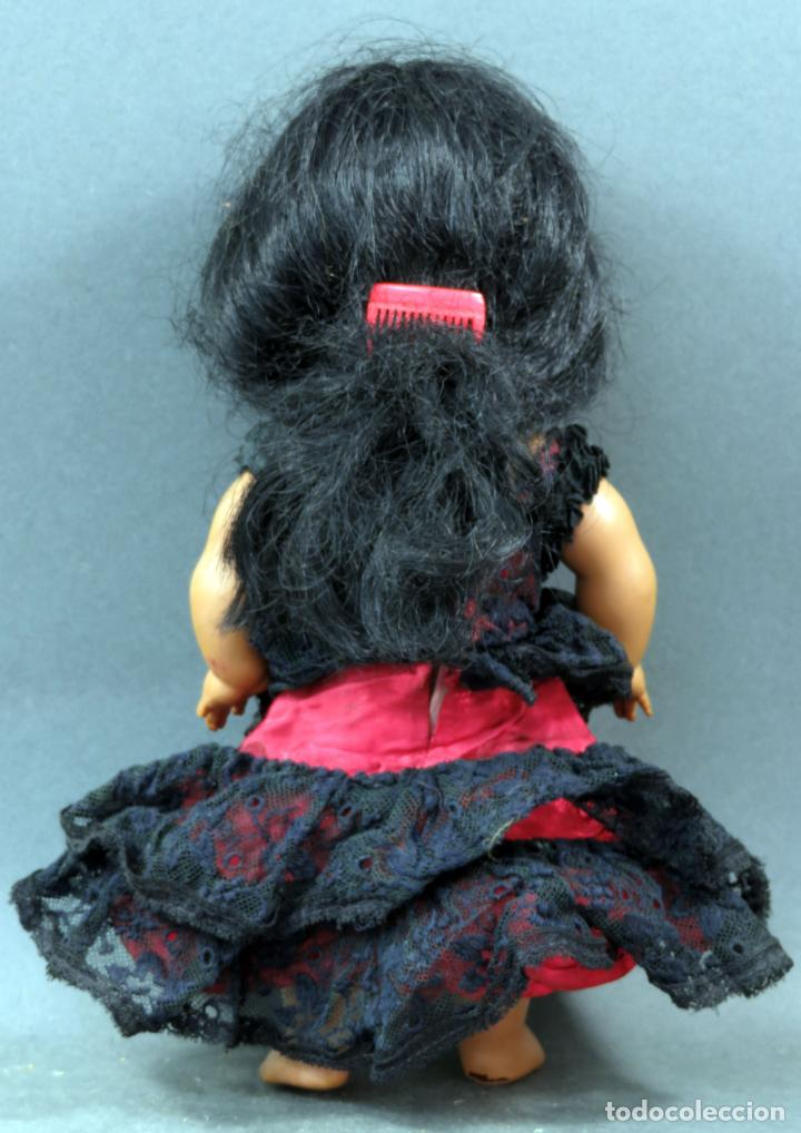 Muñeca española clasica: Linda Pirula traje gitana flamenca sevillana plástico años 60 24 cm - Foto 2 - 151953434