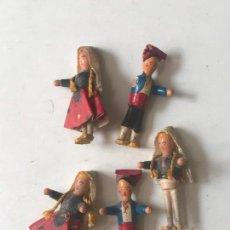 Muñeca española clasica: PEQUEÑOS MUÑECOS EN MADERA Y PAPEL ARTESANIA?. Lote 154368850