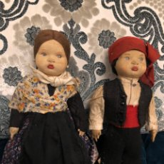 Muñeca española clasica: ANTIGUA PAREJA DE MUÑECOS RAROS DE CARÁCTER EN CARTÓN PIEDRA FORRADOS DE TELA. Lote 155713742