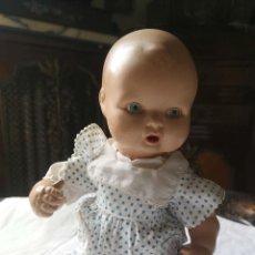 Muñeca española clasica: MUÑECO BEBÉ. CELULOIDE. RESTAURACIÓN EN LA NUCA. ESPAÑA. AÑOS 40. Lote 164722110