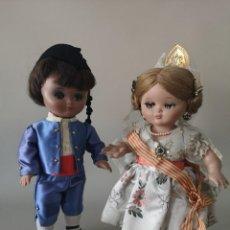 Muñeca española clasica: IMPECABLE PAREJA DE LINDA PIRULA ,VESTIDO CON TRAJE DE FALLERA ,AÑOS 50 ,CASA ALBA . Lote 165397594
