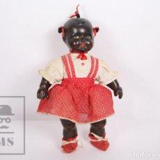 Muñeca española clasica: ANTIGUA MUÑECA NEGRA DE CELULOIDE - MECANISMO LLORÓN, ROPA ORIGINAL - AÑOS 40-50 - ALTURA 31,5 CM. Lote 167950460