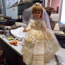 Muñeca española clasica: ANTIGUA MUÑECA PRIMERA COMUNION COMO NUEVA. Lote 168742760