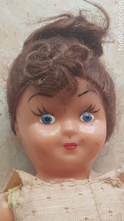 Muñeca española clasica: Pequeña muñeca de celuloide o plástico con vestido de verano de época - Foto 2 - 169746341