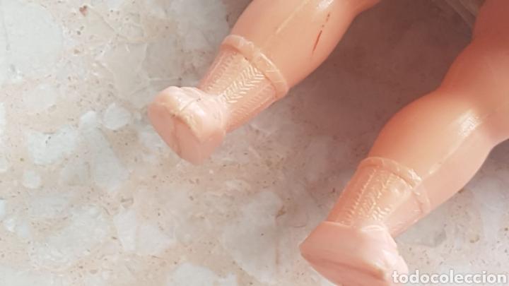 Muñeca española clasica: Pequeña muñeca de celuloide o plástico con vestido de verano de época - Foto 5 - 169746341