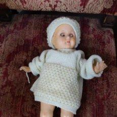Muñeca española clasica: MUÑECA DE CARTÓN PIEDRA DE LOS AÑOS 40 . Lote 170694935