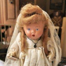 Muñeca española clasica: MUÑECA DE PRIMERA COMUNIÓN. TERRACOTA. PINTADA A MANO. ROPA ORIGINAL. ESPAÑA. AÑOS 40. Lote 171423873