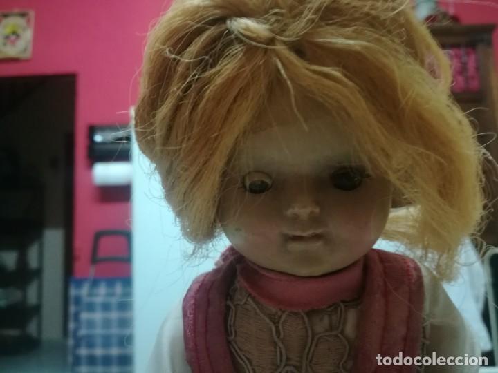Muñeca española clasica: Muy rara muñeca con cabeza de celuloide? con pelo natural y cuerpo de cartón piedra miren fotos - Foto 7 - 171548799