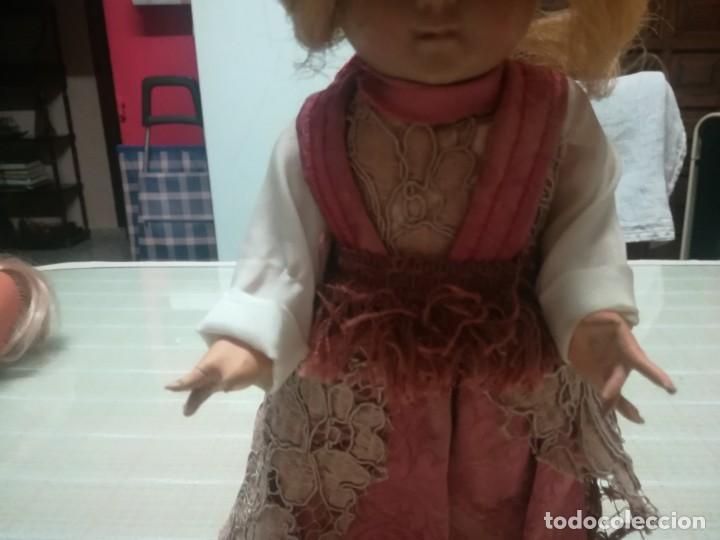 Muñeca española clasica: Muy rara muñeca con cabeza de celuloide? con pelo natural y cuerpo de cartón piedra miren fotos - Foto 9 - 171548799