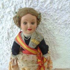 Muñeca española clasica: PRECIOSA MUÑECA DE CARTON PIEDRA VESTIDA DE FALLERA -- AÑOS 40/50 - OJOS DURMIENTES - PELO NATURAL. Lote 172409982