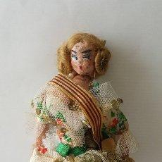 Muñeca española clasica: MUÑECA CON TRAJE REGIONAL, TRAPO, 19 CM. Lote 173763815