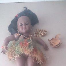 Muñeca española clasica: MUÑECA NEGRA ( HERMANA DE GISELA) 50CTMS ( DETERIORADA) . Lote 174402632