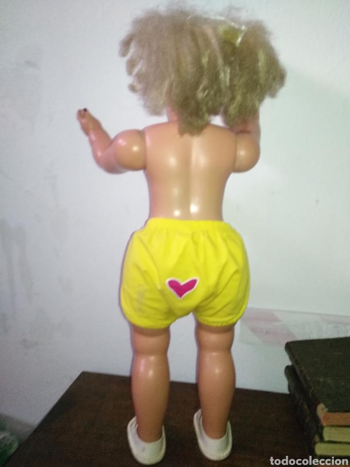 Muñeca española clasica: Antigua muñeca plástico cuerpo desproporciona muy duro tamaño 77cm ,ojos durmientes. Muñeca española - Foto 14 - 176061088