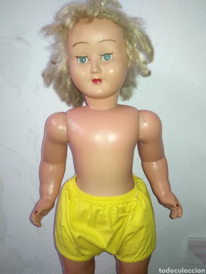 Muñeca española clasica: Antigua muñeca plástico cuerpo desproporciona muy duro tamaño 77cm ,ojos durmientes. Muñeca española - Foto 17 - 176061088