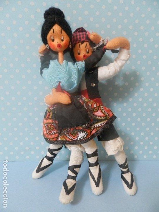 Muñeca española clasica: MUÑECA MUÑECO DE FIELTRO PAREJA BAILADORES AÑOS 40-50 ARAGON ARAGONESES ? - Foto 5 - 177276999