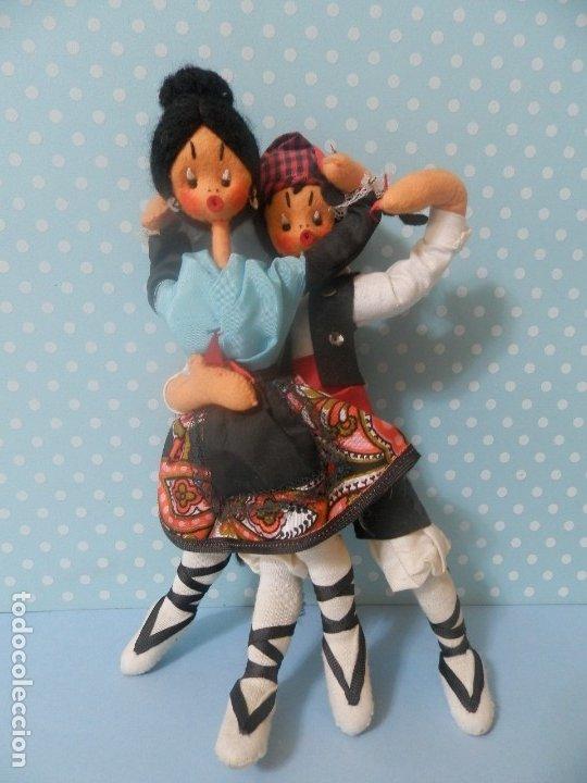 Muñeca española clasica: MUÑECA MUÑECO DE FIELTRO PAREJA BAILADORES AÑOS 40-50 ARAGON ARAGONESES ? - Foto 3 - 177276999
