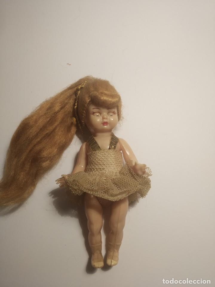 Muñeca española clasica: Preciosa muñeca de celuloide, ojos durmientes vestida de bailarina/pequeñita. - Foto 2 - 179115568