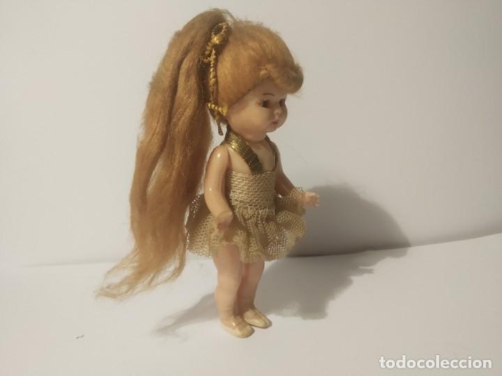 Muñeca española clasica: Preciosa muñeca de celuloide, ojos durmientes vestida de bailarina/pequeñita. - Foto 3 - 179115568