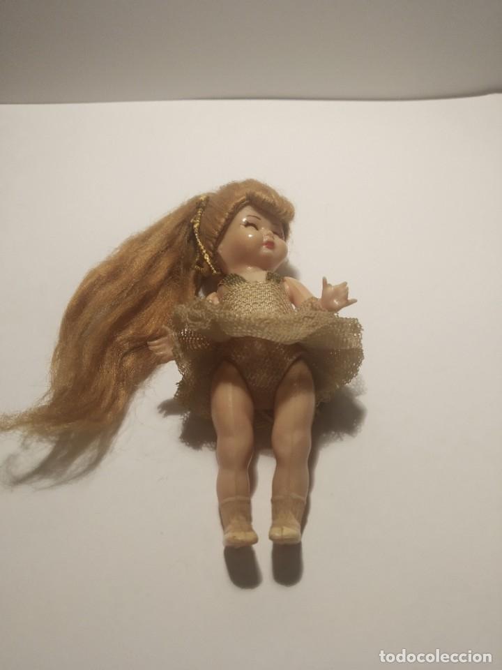 Muñeca española clasica: Preciosa muñeca de celuloide, ojos durmientes vestida de bailarina/pequeñita. - Foto 13 - 179115568