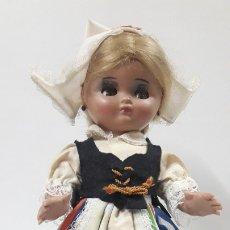 Muñeca española clasica: MUÑECA LINDA PIRULA CON TRAJE REGIONAL . MUÑECAS ALBA . AÑOS 60. Lote 179180962
