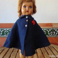 Muñeca española clasica: CAPA DE ENFERMERA PARA MUÑECA CLASICA MARIQUITA PEREZ GISELA CAYETANA O SIMILARES. Lote 179318920