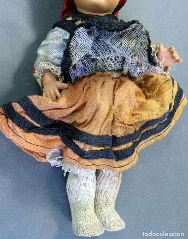 Muñeca española clasica: Muñeca regional asturiana gallega celuloide ojo durmiente años 50 22 cm alto - Foto 6 - 181478335