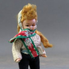 Muñeca española clasica: MUÑECA CELULOIDE ARTICULADA ESQUIADORA OJO DURMIENTE AÑOS 50 12 CM ALTO. Lote 182271948