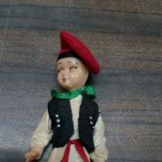 Muñeca española clasica: MUÑEQUITO FOLKLORE REGIONAL OJOS DURMIENTES. Lote 182397111