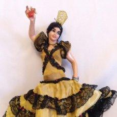 Bambola spagnola classica: MUÑECA GITANA DE 26 CM ENTERA DE GOMA. Lote 187409567