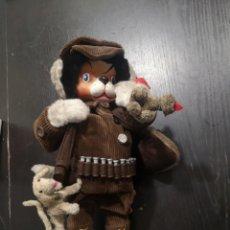 Muñeca española clasica: ANTIGUO MUÑECO PERRO VESTIDO DE CAZADOR COMPLETO!!!!!. Lote 187527033