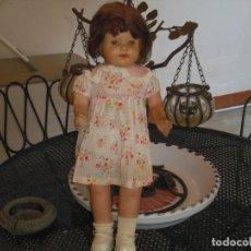 Muñeca española clasica: MUÑECA SIN MARCA,SALIDA VACIADO PISO HOY, TODA ORIGEN,TRAE OTRO VESTIDO ADICIONAL,48 CMS. Lote 189739245