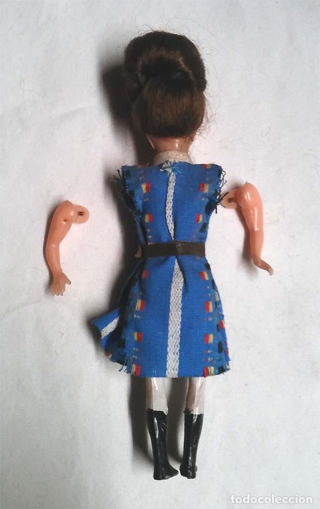 Muñeca española clasica: Muñeca ojos durmientes años 50, articulado, plástico. Med. 12 cm - Foto 2 - 191026708