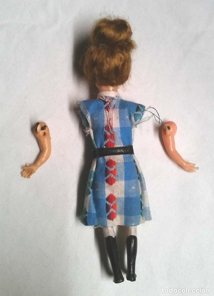 Muñeca española clasica: Muñeca ojos durmientes años 50, articulado, plástico. Med. 12 cm - Foto 2 - 191026741