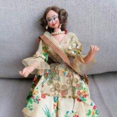 Muñeca española clasica: ANTIGUA MUÑECA FALLERA CON SUS COMPLEMENTOS. Lote 191274017