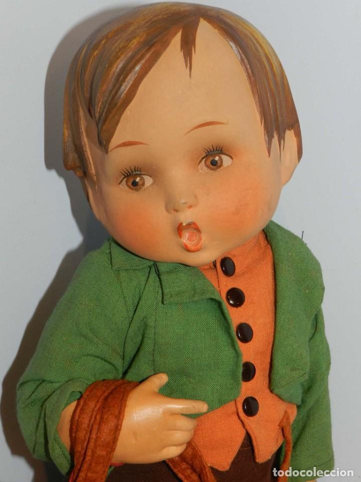 Muñeca española clasica: Antiguo muñeco M. J Hummnl, años 40. con etiqueta. Ojo y pelo decorado, la cabeza por detras tiene u - Foto 2 - 191633638