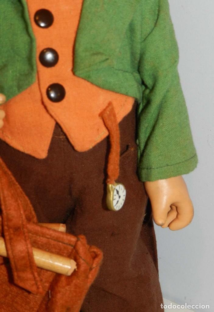 Muñeca española clasica: Antiguo muñeco M. J Hummnl, años 40. con etiqueta. Ojo y pelo decorado, la cabeza por detras tiene u - Foto 6 - 191633638