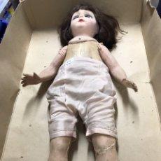 Muñeca española clasica: MUÑECA ANTIGUA DE MADERA Y CARTÓN. Lote 194058708