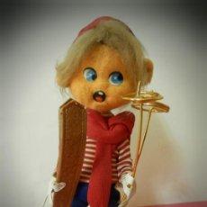 Muñeca española clasica: MUÑECO DE FIELTRO ANTIGUO ESQUIADOR LAYNA CON CAJA ORIGINAL. Lote 194306405