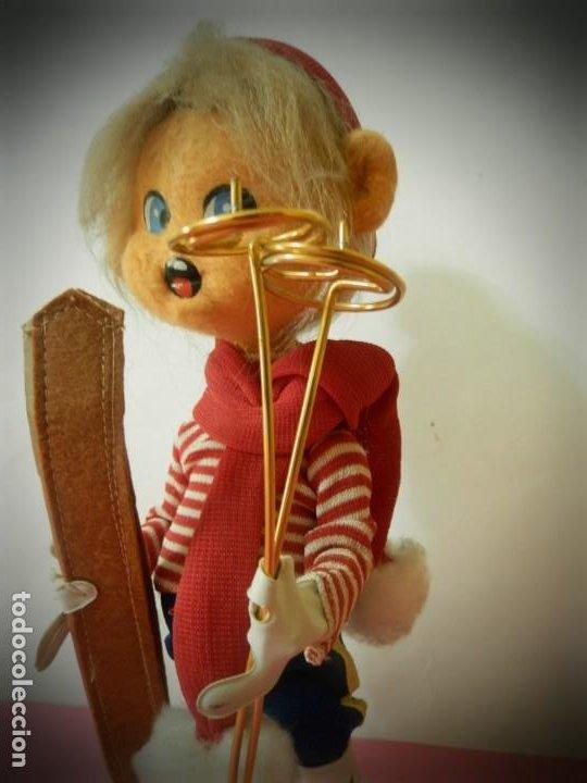 Muñeca española clasica: MUÑECO DE FIELTRO ANTIGUO ESQUIADOR LAYNA CON CAJA ORIGINAL - Foto 2 - 194306405