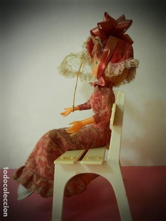 Muñeca española clasica: MUÑECA LAYNA SENTADA EN BANCO CON SOMBRILLA VESTIDO ROSA - Foto 6 - 194309442