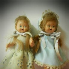 Muñeca española clasica: MUÑECAS MUÑEQUITAS DE CELULOIDE ANTIGUAS MARCA GV. VESTIDOS ORIGINALES.ARTICULADAS. Lote 194331214