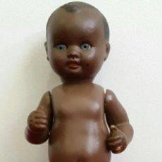 Muñeca española clasica: MUÑECO CELULOIDE BEBÉ NEGRITO ICSA?? AÑOS 50. Lote 194395440