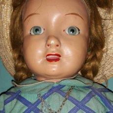 Muñeca española clasica: ANTIGUA MUÑECA DE CARTON PIEDRA POSIBLEMENTE FABRICANTE MARI CRIS MARIQUITA PEREZ AÑOS 40/50. Lote 194700838