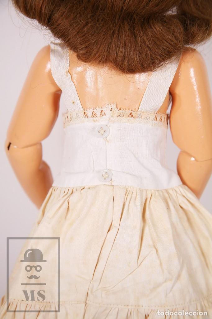 Muñeca española clasica: Antigua Muñeca Articulada de Composición y Madera - Ojos de Cristal - Años 40-50 - Foto 11 - 195299707