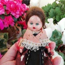 Muñeca española clasica: MUÑECA ANTIGUA, CELULOIDE, TRAJE REGIONAL. Lote 195445856