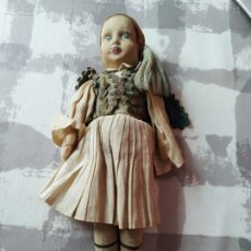 Muñeca española clasica: ANTIGUO MUÑECO DE TRAPO CARA PINTADA PAGÉS?? ARTICULADO REGIONAL. Lote 195459671