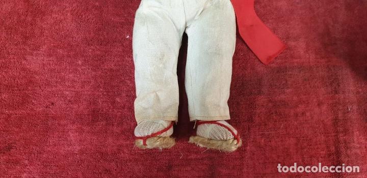 Muñeca española clasica: PAREJA DEMUÑECOS DE CLULOIDE. TRAJE REGIONAL DEL PAIS VASCO. CIRCA 1950. - Foto 9 - 198174887