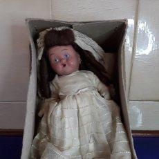 Muñeca española clasica: ANTIGUA MUÑECA DE CERÁMICA,ESPAÑOLA,AÑOS 30,DE COMUNIÓN O BODA. Lote 199287806