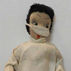 Muñeca española clasica: MUÑECA DE LOS AÑOS 40 -DOCTORA REALIZADA EN FIELTRO NTERESANTE, VER FOTOS,. Lote 199331916